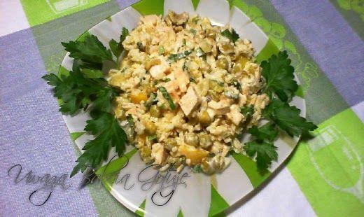Witam serdecznie   Propozycja na smaczną  i bogatą w białko i węglowodany sałatkę  z piersi kurczaka i ryżu .