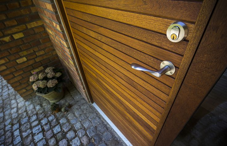 A doorhandle we find very famous among our customers. The Arne Jacobsen handle, made from the famous danish designer Arne Jacobsen.