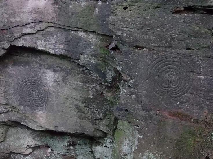 Do skály vytesané labyrinty v Rocky Valley