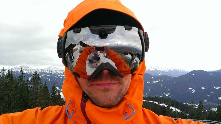 Review  ZEAL Optics HD Camera Goggles: HighTech-Skibrille mit integrierter HD-Digitalkamera im Test  Erstmals stellte die US-Marke ZEAL Optics auf der ISPO 2013 ihre n ...
