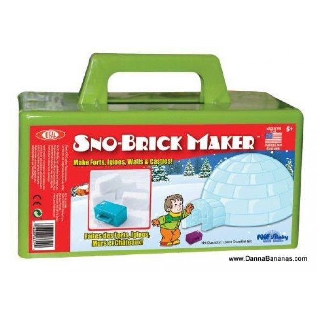 """#WiartonWillie : """"There will be 6 more weeks of #winter."""" #Snow fort anyone?  http://www.dannabananas.com/sno-brick-maker/"""