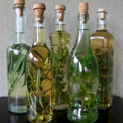 The Wine and Herb Experience June 6 #summer #NiagaraFalls #LundysLane