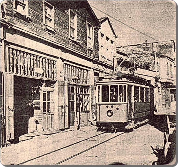 Kadıköy Altıyol'dan, Hasanpaşa'ya doğru inen tramvay - 1930 lar