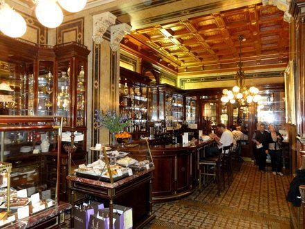 Nice Cafe im K u K Hofzuckerb cker Demel tolles Ambiente auch das Cafe ist klasse super Kuchen