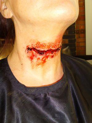 Halloween Makeup - Slit throat