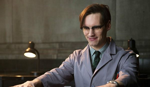 Cory Michael Smith Touches On Riddler's Romance In Gotham Gotham actor Cory Michael Smith got candid about Edward Nygma, also known as The…