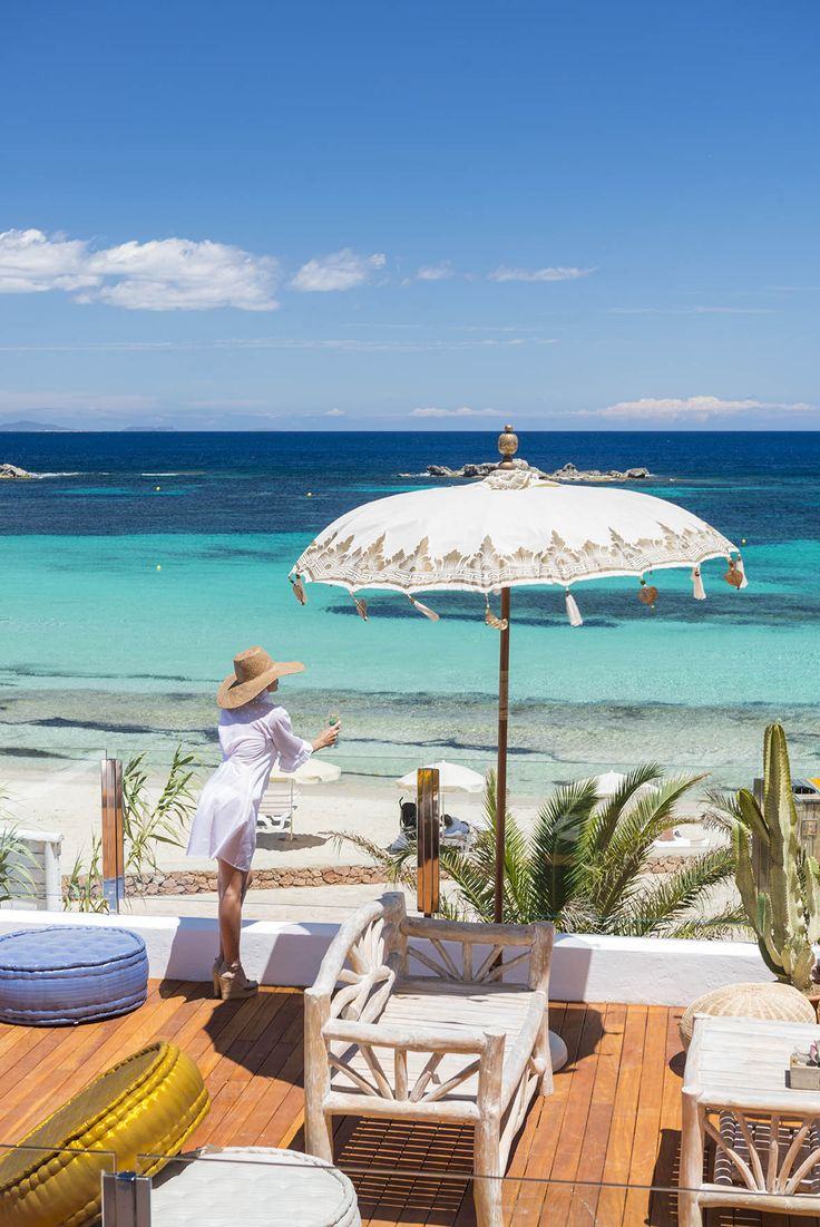 La esencia de Formentera está en el hotel Tahiti Formentera. Te invitamos a descubrirla de una forma única, rodeado de atenciones, confort y naturalidad.