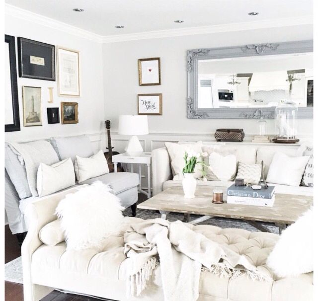 Jillian Harris' Living Room gallery wall
