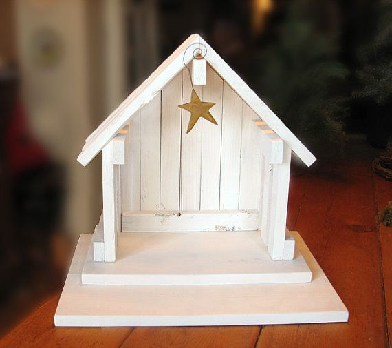 ~ ~ ~ DESCRIPTION ~ ~ ~ Crèche bois de pin à la main parfaite pour votre arbre de saule ou autres objets de collection nativité! * chaque crèche est construit avec du bois rugueux, inégal et ensuite peint blanc antique pour lui donner un sens vieilli, rustique. Comprend une plate-forme de Gradin pour améliorer votre affichage de nativité. Pendaison de star est inclus (selon disponibilité) mais peut varier dans le style.   ~ ~ ~ DIMENSIONS ~ ~ ~ Dimensions approximatives : Crèche - 7.5(d) x…