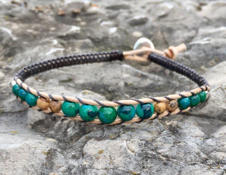 Bracelet homme en cuir naturel , perles rondes chrysocolle et jaspe, bouton et perles latérales ovales en argent 925 de la boutique MIAProvencebijoux sur Etsy