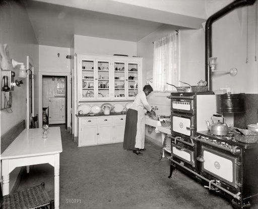 17 Best ideas about 1920s Kitchen – 1920s Kitchens