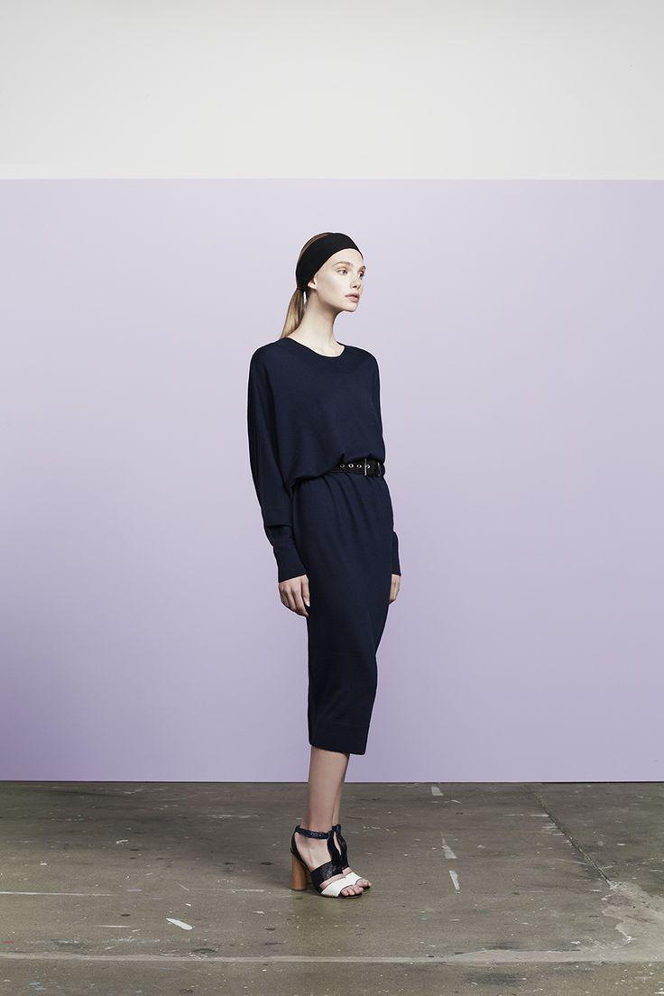 Dashper uneven sleeve merino wool dress