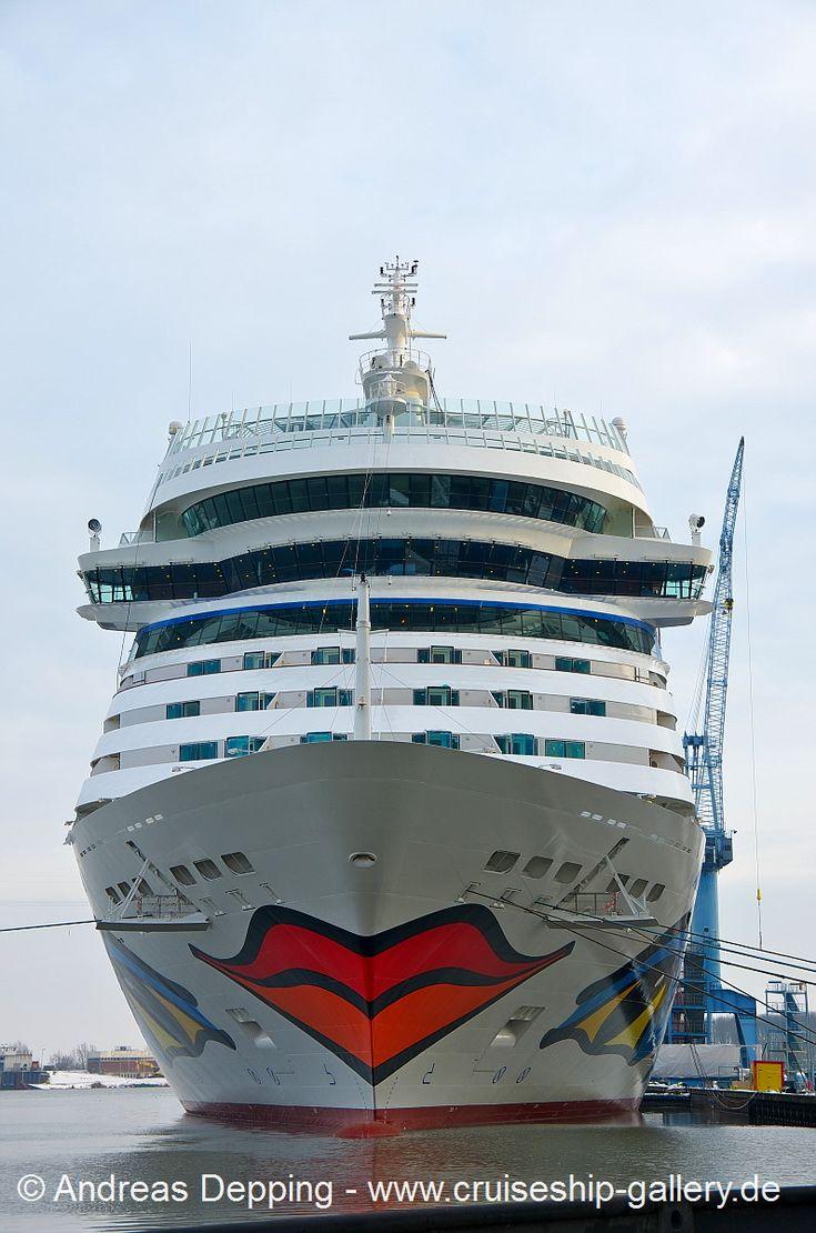 AIDAstella at daylight - January 26th, 2013 - AIDA stella 110 - Cruise Ships from Papenburg / Germany  Photo by Andreas Depping