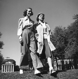 Wonderful campus fashion inspiration for autumn. #vintage #fashion #1940s #pants