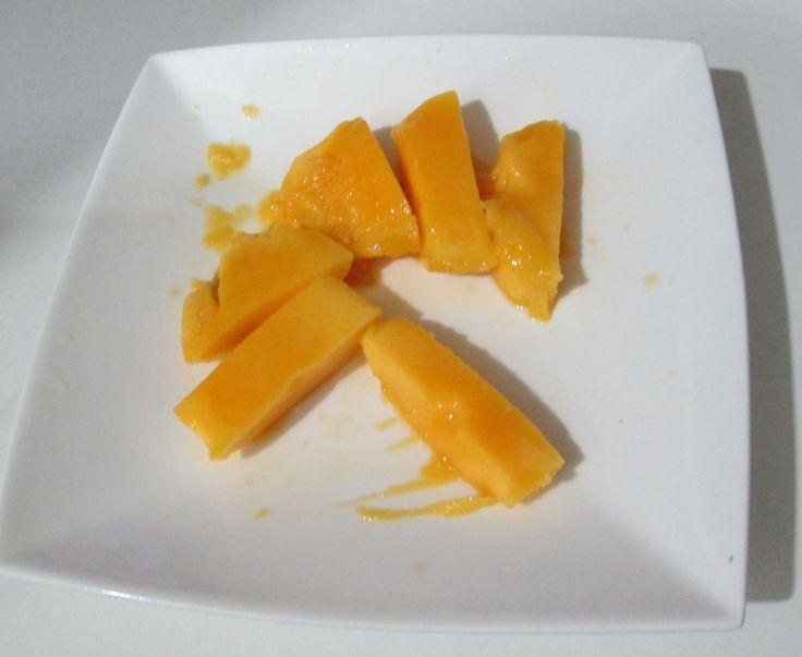 Mango Thai , il frutto che fa da dessert o snack - http://www.provarciegratis.com/cucina-thailandese/frutti-vegetali-tropicali/mango-thai/ - by  Pier Sottojox -  #fruttathai #fruttatropicale #mango #mangothai #mangothailandese
