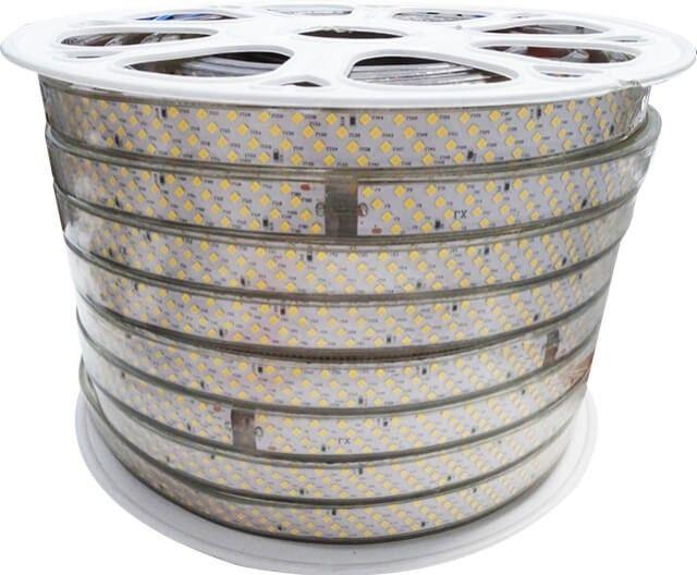 Lumina ambientala prinde noi dimensiuni cu BANDA LED 368x2835 22W ALB CALD 220V datorita celor 368 LED-uri 2835 pe fiecare metru, in putere de 22W/m ! Banda LED cu 368 LED-uri se alimenteaza la tensiune 220V si este cel mai puternic produs din gama.