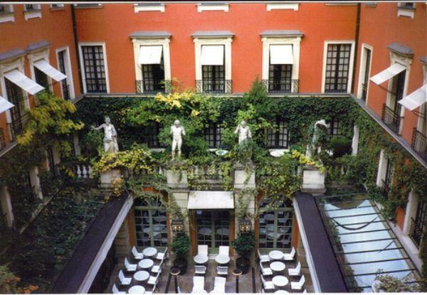 Top 100 des meilleures terrasses de bar à Paris : le guide ultime