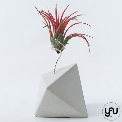 MARTURII plante aeriene in suport turnat GEOMETRIC - M19 - https://www.yau.ro/collections/marturii-nunta-si-botez?page=1 - yauconcept - elenatoader