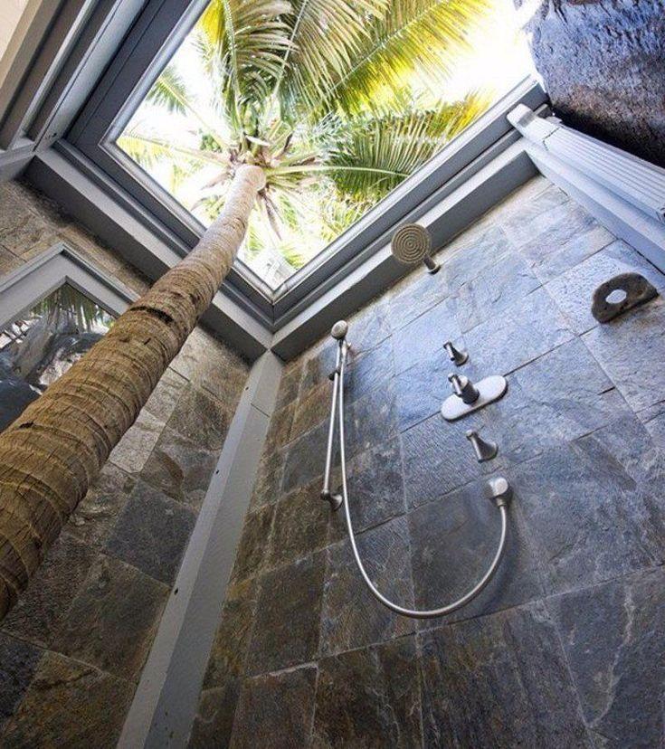 SOUND: https://www.ruspeach.com/en/news/7814/     душ [dùsh] - shower  душевая кабина [dushivàya kabìna] - shower cabin  мочалка [machàlka] - bast wisp        Other bathroom vocabulary:  Другие слова для ванной:   https://www.ruspeach.com/phrases/?section=216     www.ruspeach.com