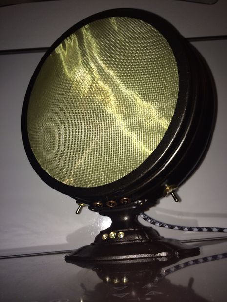 Picture of 1921 Bluetooth Speaker: steampunkwayoflife.blogspot.com.au