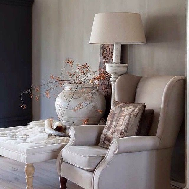 Fresco lime paint from Pure & Original in the color Soft Taupe. Cred. WLS/Anneke Gamon