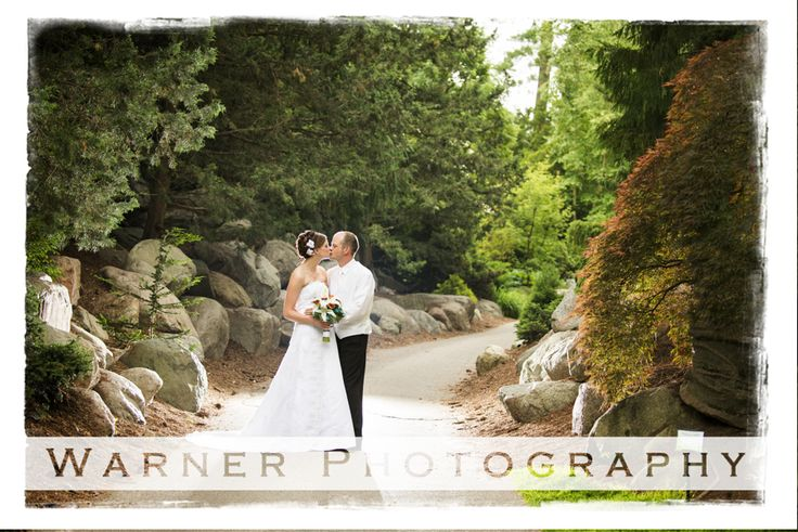 A Kiss In Boulder Pass Dow Gardens Warner Photography