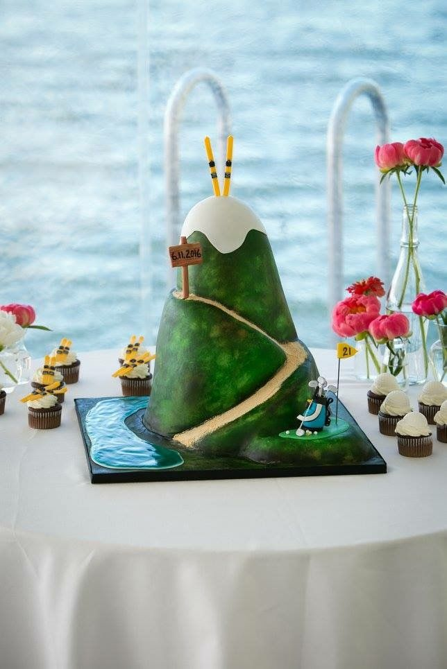 Grooms cake, ski and golf cake, mountain cake, golf cake, ski cake