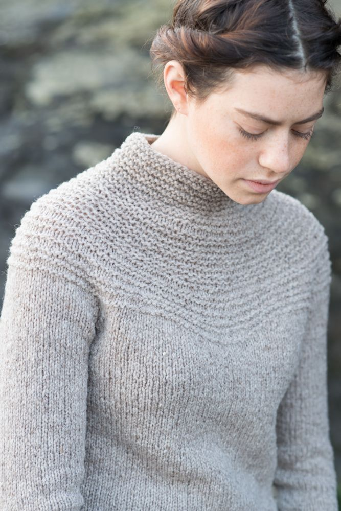 the Portland Pullover knitting pattern - gorgeous garter stitch!