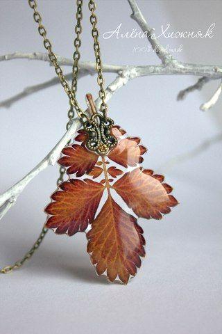 Beautiful leaf coated in resin handmade bead pendant necklace. 2. Работы с эпоксидной смолой Crystal. | 1 908 фотографий