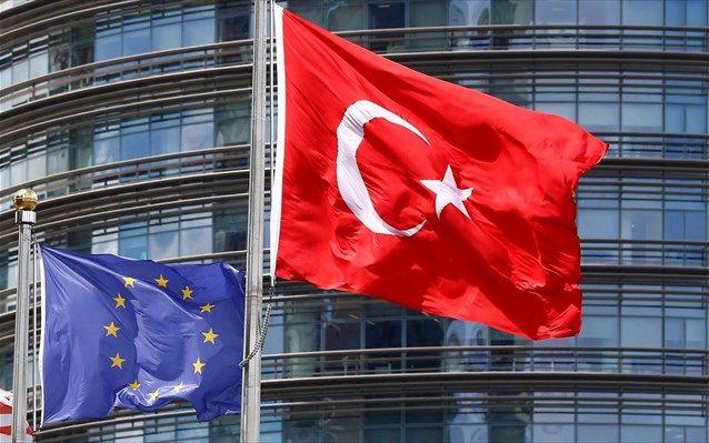 mini.press: Γιούνκερ κατά Ερντογάν με τη συμφωνία για τη βίζα ...
