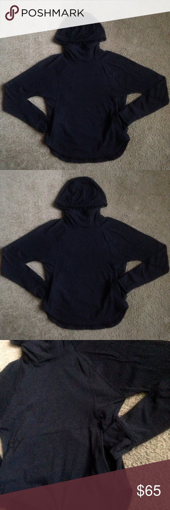 lululemon hoodie pullover size 4 lululemon hoodie pullover size 4 in good condition please look at pictures lululemon athletica Sweaters