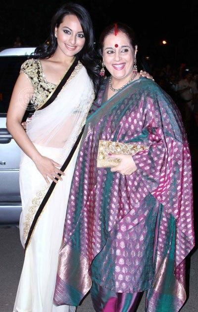 Poonam Sinha surprises Sonakshi on 'Indian Idol Junior' set | PINKVILLA