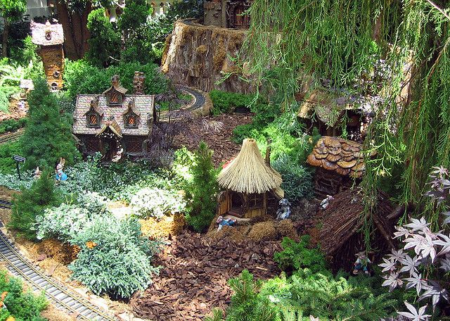 Indoor fairy gardens ideas photograph bellagio indoor mini for Indoor mini garden ideas