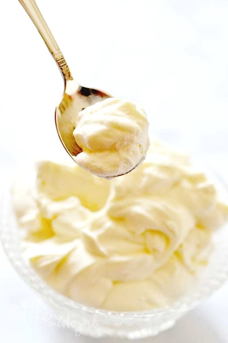 Have you ever wondered how to make homemade Cool Whip?  Whether you don't eat store-bought for nutrition reasons or because it's not available in your region, this recipe is the perfect substitute! | homemade recipes | cool whip | cool whip recipes | how to make cool whip | homemade cool whip || Kitchen Meets Girl