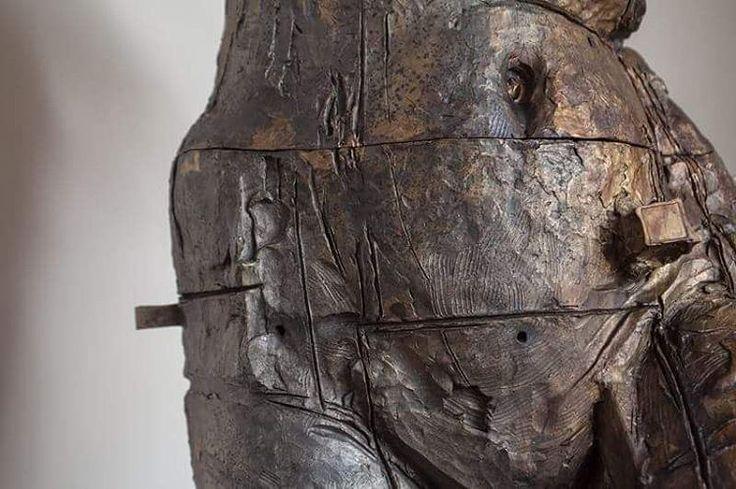 #JavierMarin, #javiermarinescultor. #escultura  de #bronce a la cera perdida. #Arte, #artecontemporaneo, #figurahumana, #cuerpo. Lost Wax #bronze #sculpture. #art, #contemporaryart, #humanbody, #body