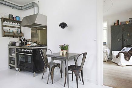 Industriële keuken in een Scandinavisch huis