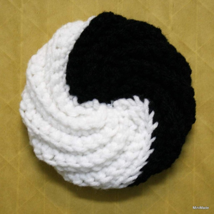 Free Crochet Pattern Yin Yang : 1000+ images about tawashi on Pinterest Dishes, Acrylics ...