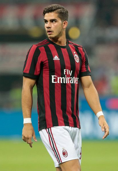 Andre Silva of AC Milan looks on during the UEFA Europa League Third Qualifying Round Second Leg match between AC Milan and CSU Craiova at Stadio Giuseppe Meazza on August 3, 2017 in Milan, Italy.