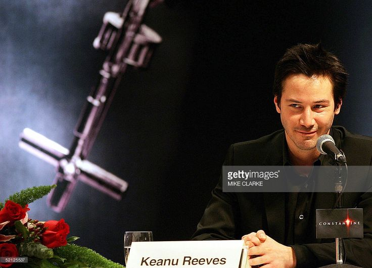Actor Keanu Reeves makes an appearance at a press conference in Hong Kong to promote the movie 'Constantine', 03 February 2005. Reeves is on a three day promotional visit for his latest movie.