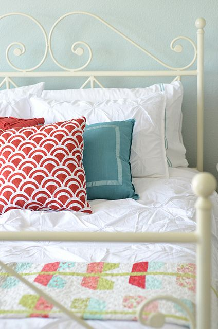 Love the colorsGuest Room