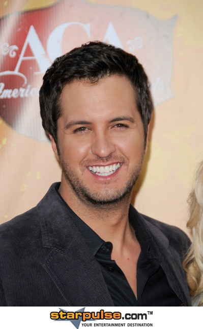 Luke Bryan. Love that smile!! :D   my guys