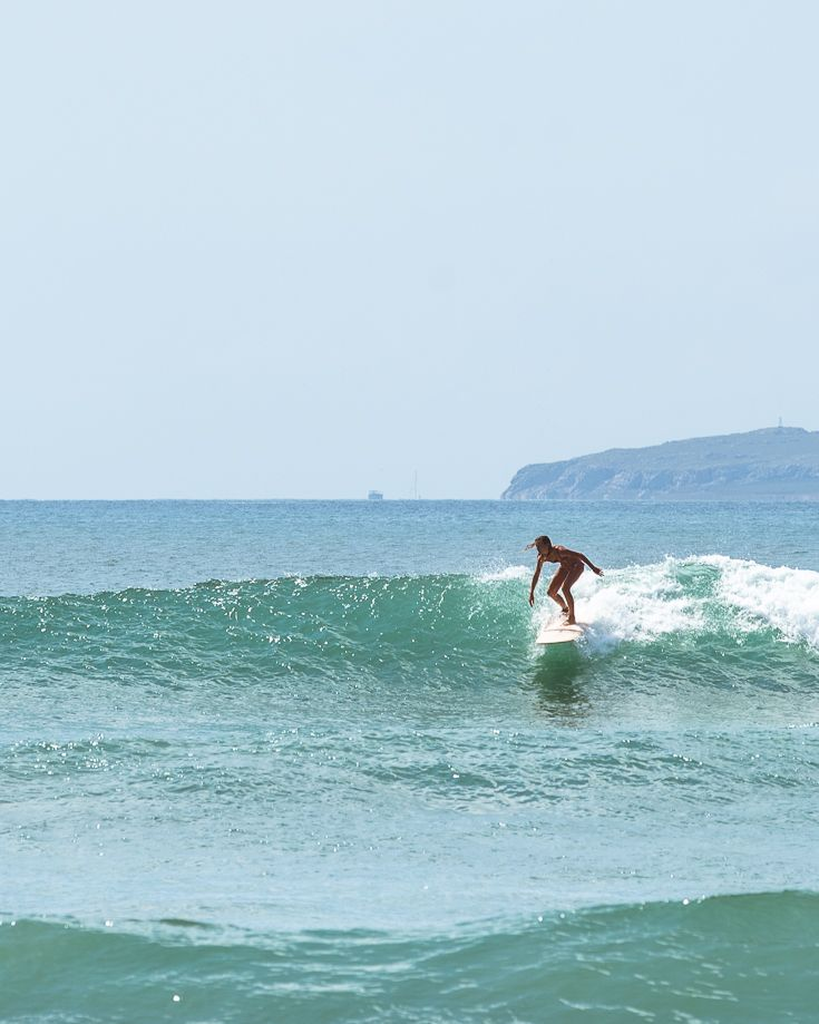 Surf Resort Guide The Best Surf Hotels Surf Camps And Surf Villas Surfing Pictures Surf Trip Surfing