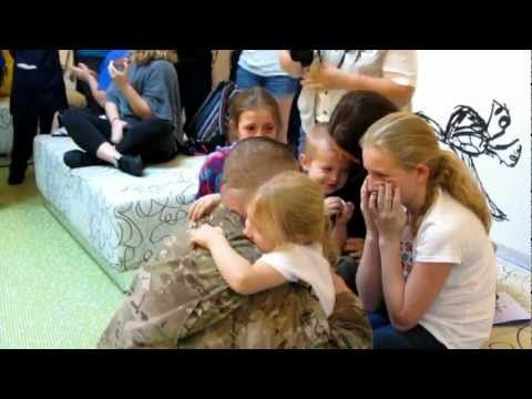 Soldier Surprises Family at Disneys Art of Animation Resort - Disney Flash Mob!  omg. seriously crying. what an amazing, fun, incredible video :) and this is why Disney is really amazing!