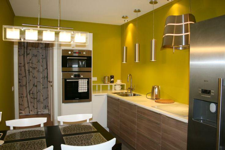 Нравится цвет стен и сама кухня без верхних шкафов
