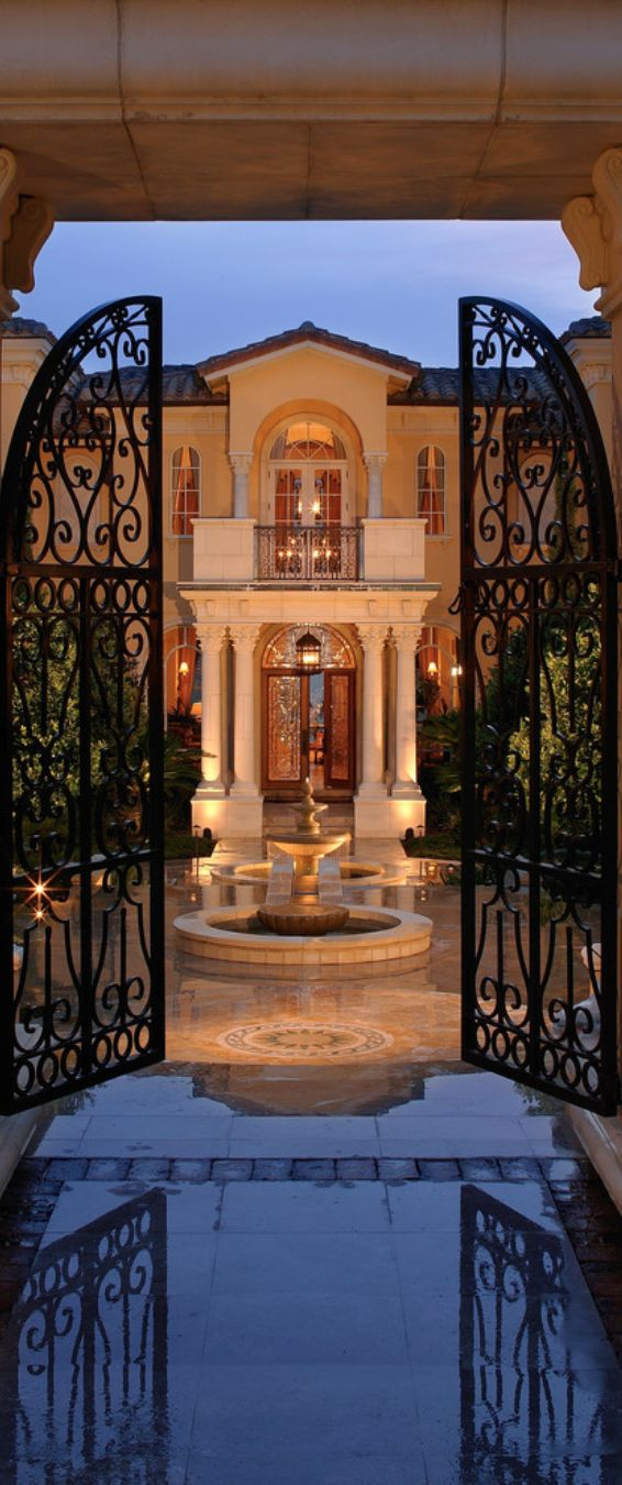 Old World, Mediterranean, Italian & Tuscan Homes & Decor  www.TheMediterraneanRevival.com