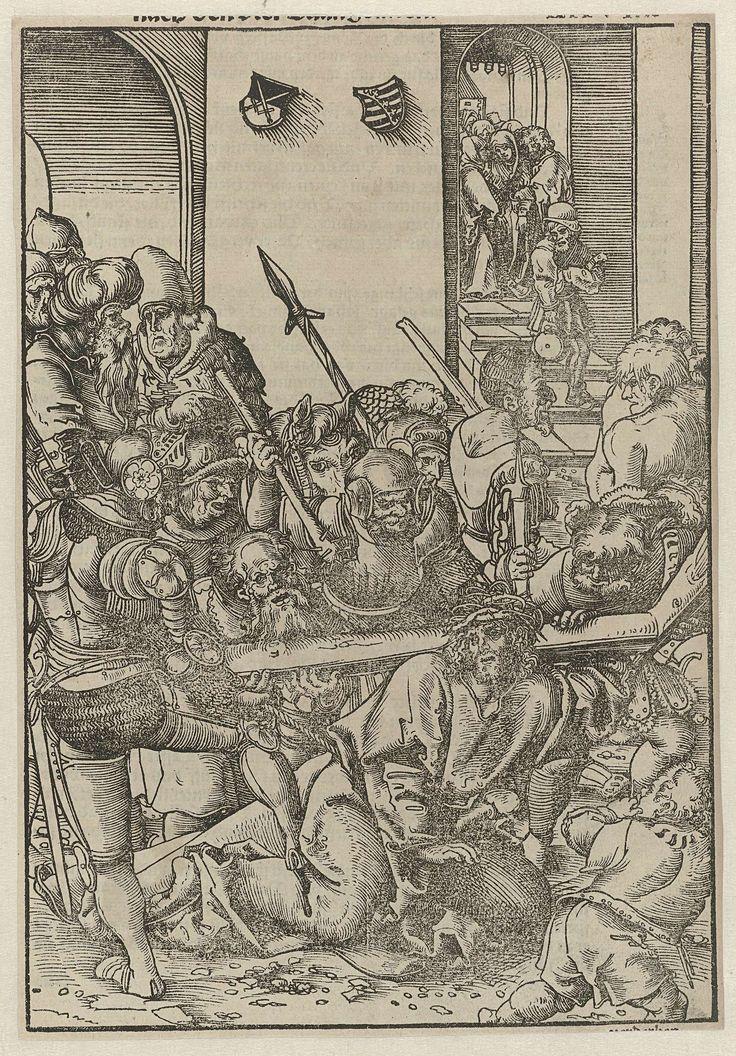 Lucas Cranach (I)   De kruisdraging, Lucas Cranach (I), 1540   Tiende prent uit een serie van veertien met de passie, gebruikt in het Passional Buch. In het midden op de voorgrond omringd door soldaten bezwijkt Christus onder het gewicht van het kruis. Een soldaat links trapt hem. Simon van Cyrene pakt het kruis vast. Op de achtergrond rechts staat Maria temidden van mannelijke en vrouwelijke volgelingen. Bovenaan in het midden twee wapenschilden.