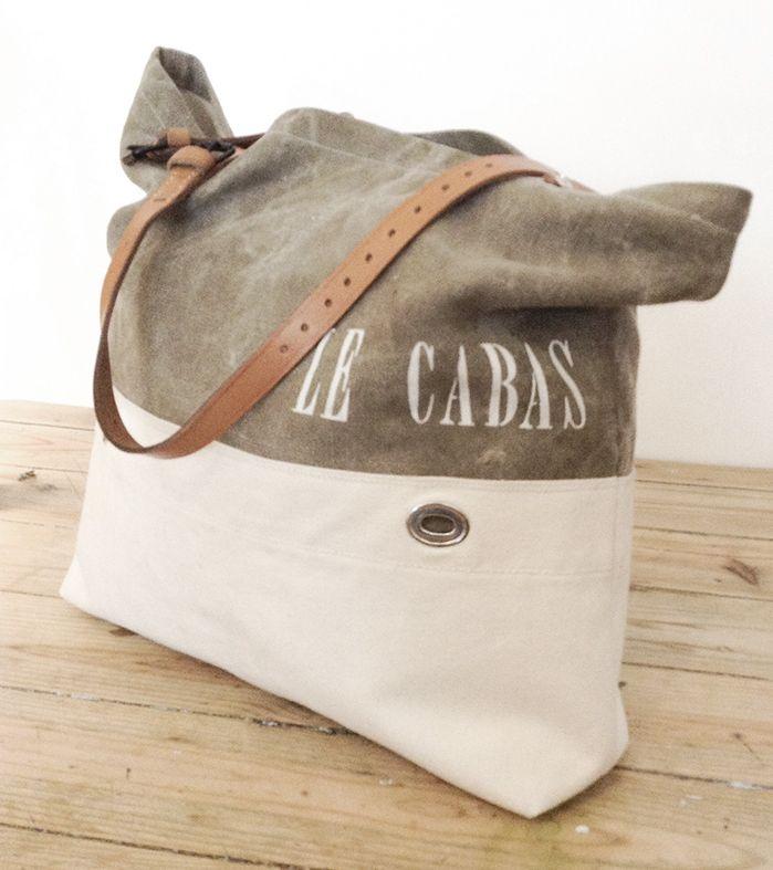 Sac à main vintage de style Cabas entièrement façonné à la mainDuo de teintes et matières anciennesBâche de coton écrue avec ses oeillets et coton
