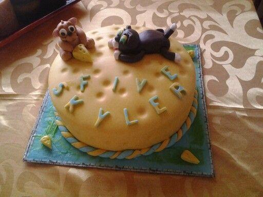Chocolate fudge tom and jerry cake