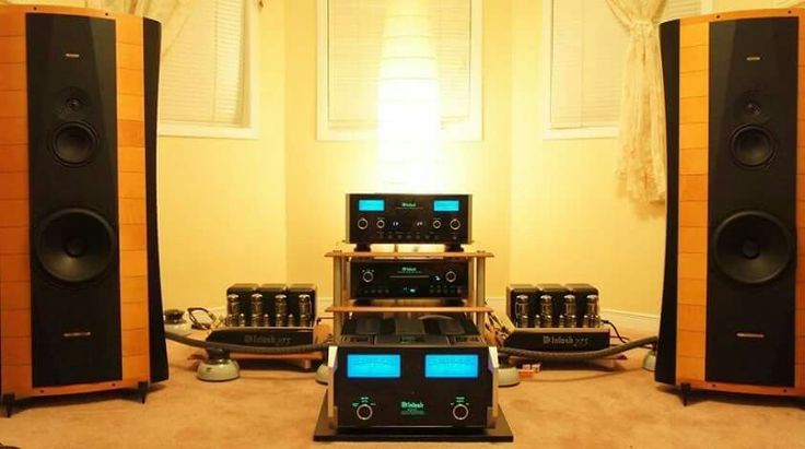 High end audio audiophile McIntosh Sonus Faber speakers