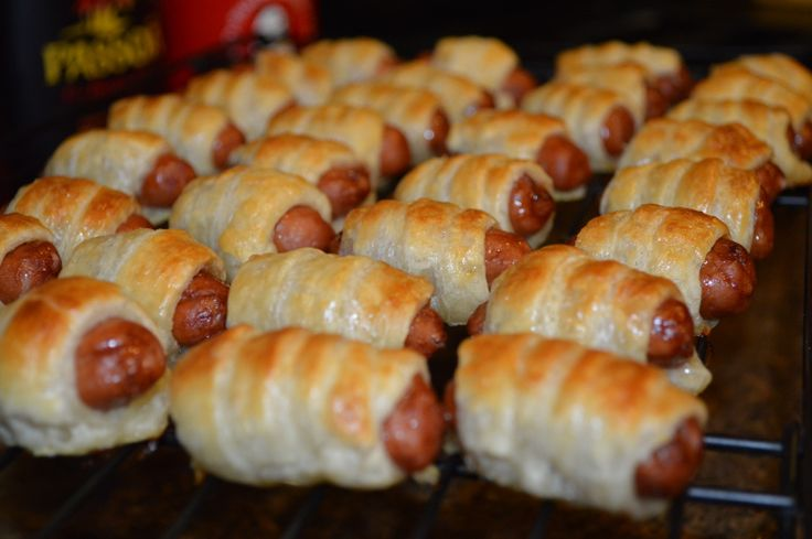 Puff pastry wrapped smokies (Pigs in a blanket) | minty pig
